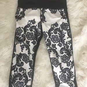 Lululemon floral lace leggings 6